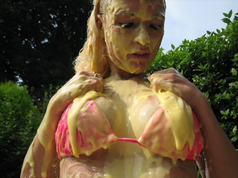 Bikini covered in custard perfekt