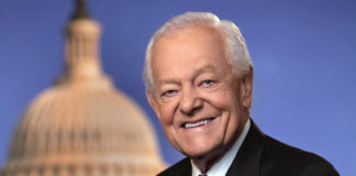 Bob Schieffer speaks at SUU graduation