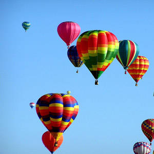 southern utah weekend events features hot-air-balloons-439331_1280
