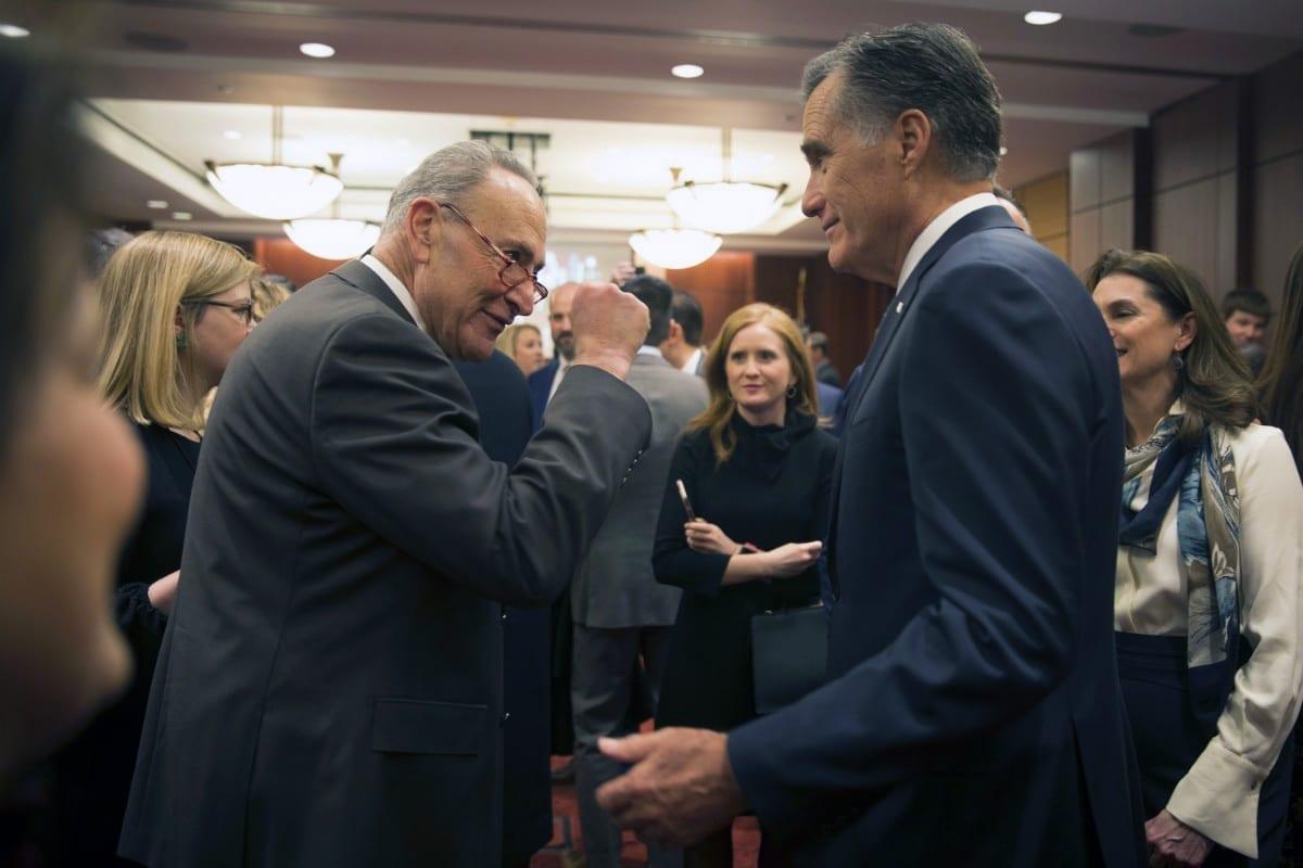 RUU Perjudian Mitt Romney